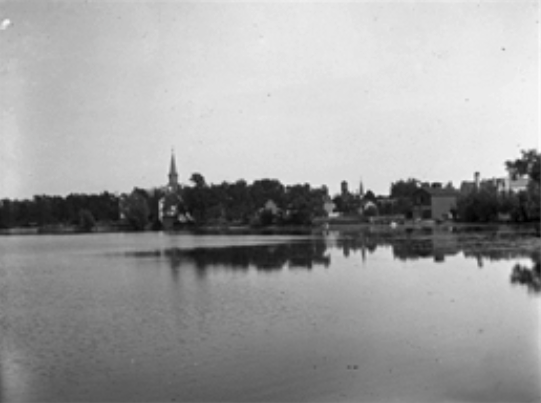 Old picture of the lake.