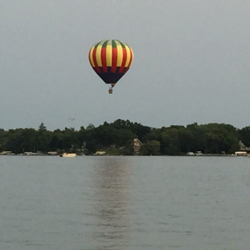 Hot air ballon over the lake